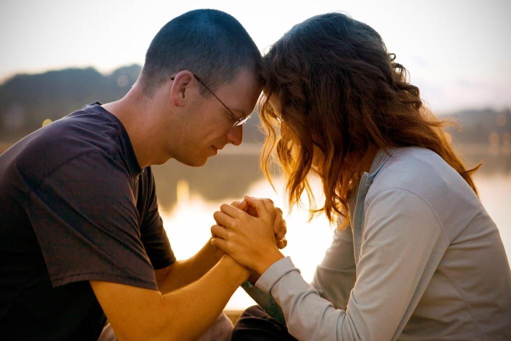 Ora con Fe Por el Amor que buscas.